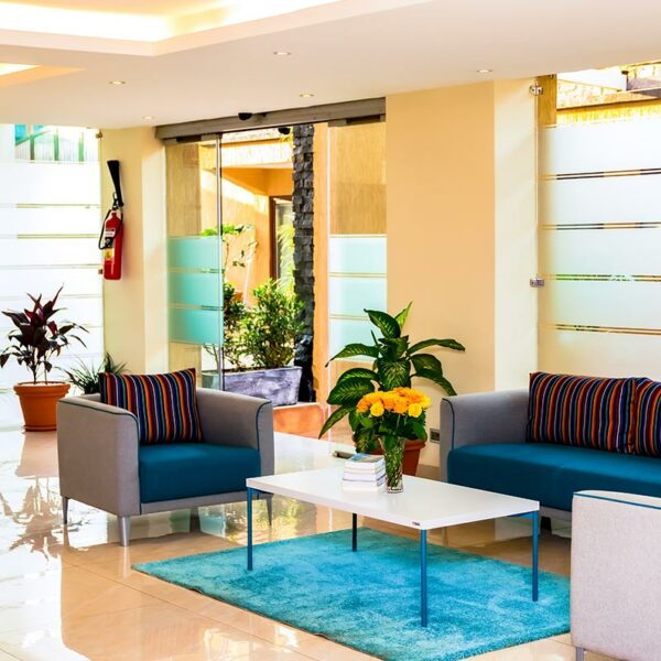 canary-hotel-lounge